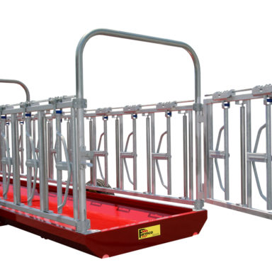 rear trailer with door open to the cattle headlock feeder